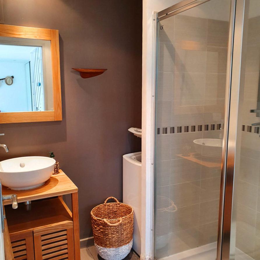 Location vacances Meschers sur Gironde salle de bain