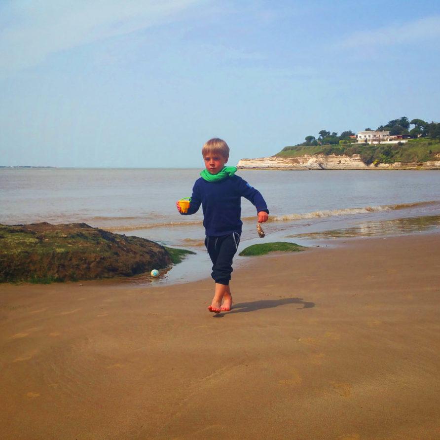 Activite chateau de sable à la plage des Nonnes à Meschers sur Gironde