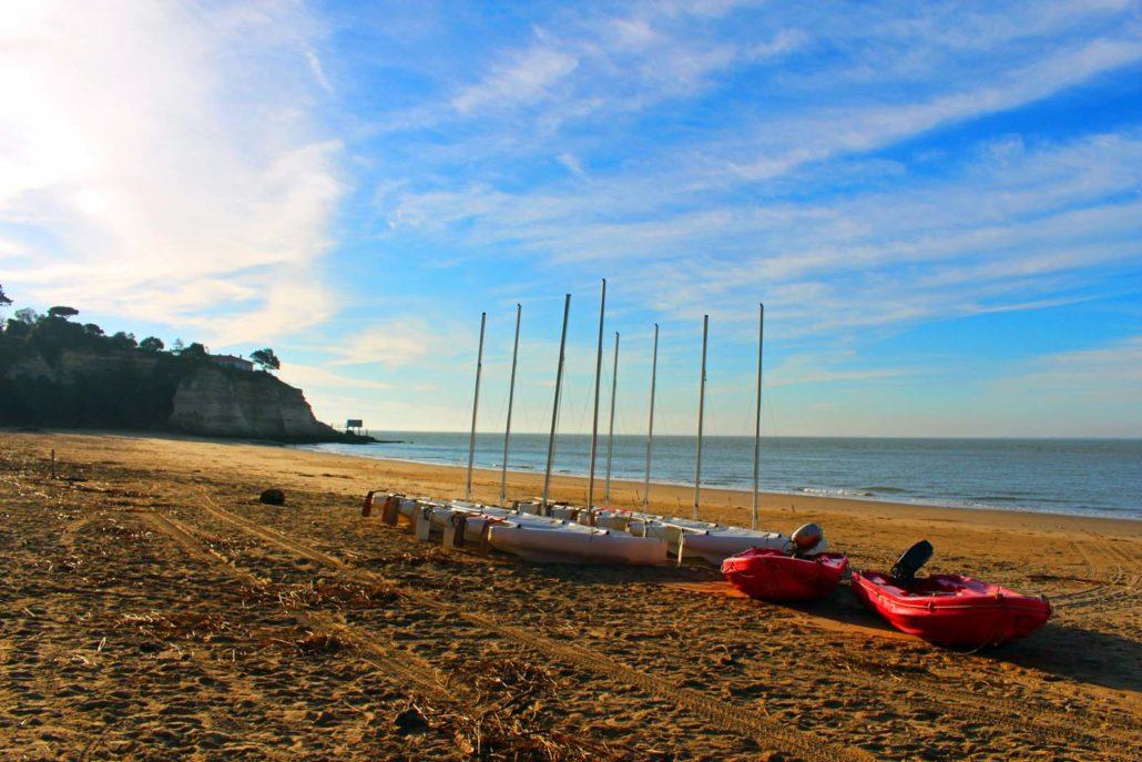 Activite nautique sur la plage de Nonnes à Meschers sur Gironde