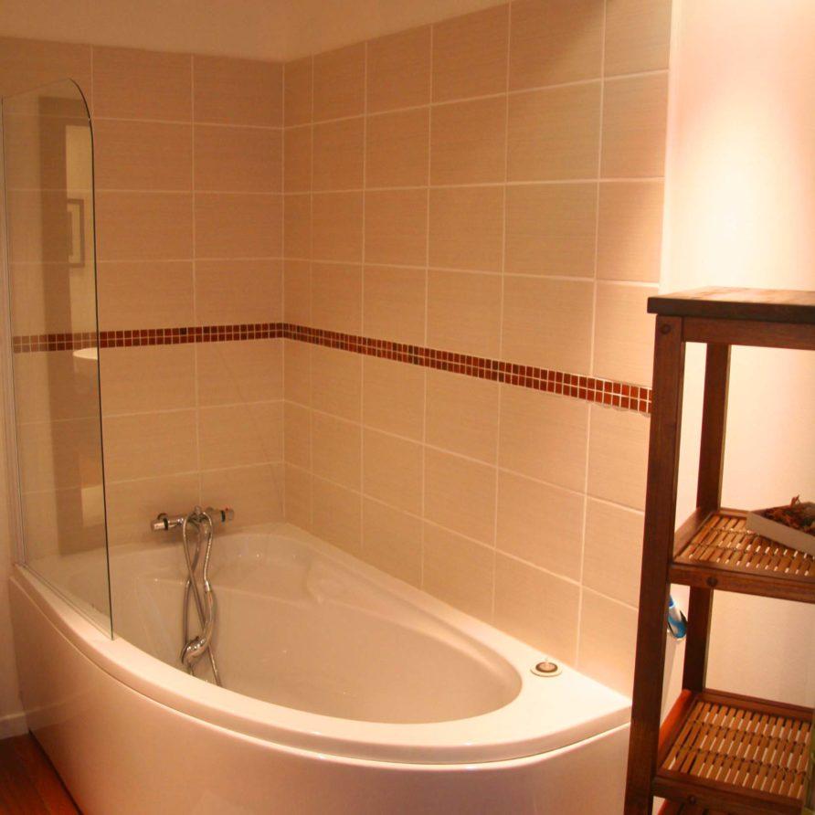 Salle de bain baignoire la Villa Lucas
